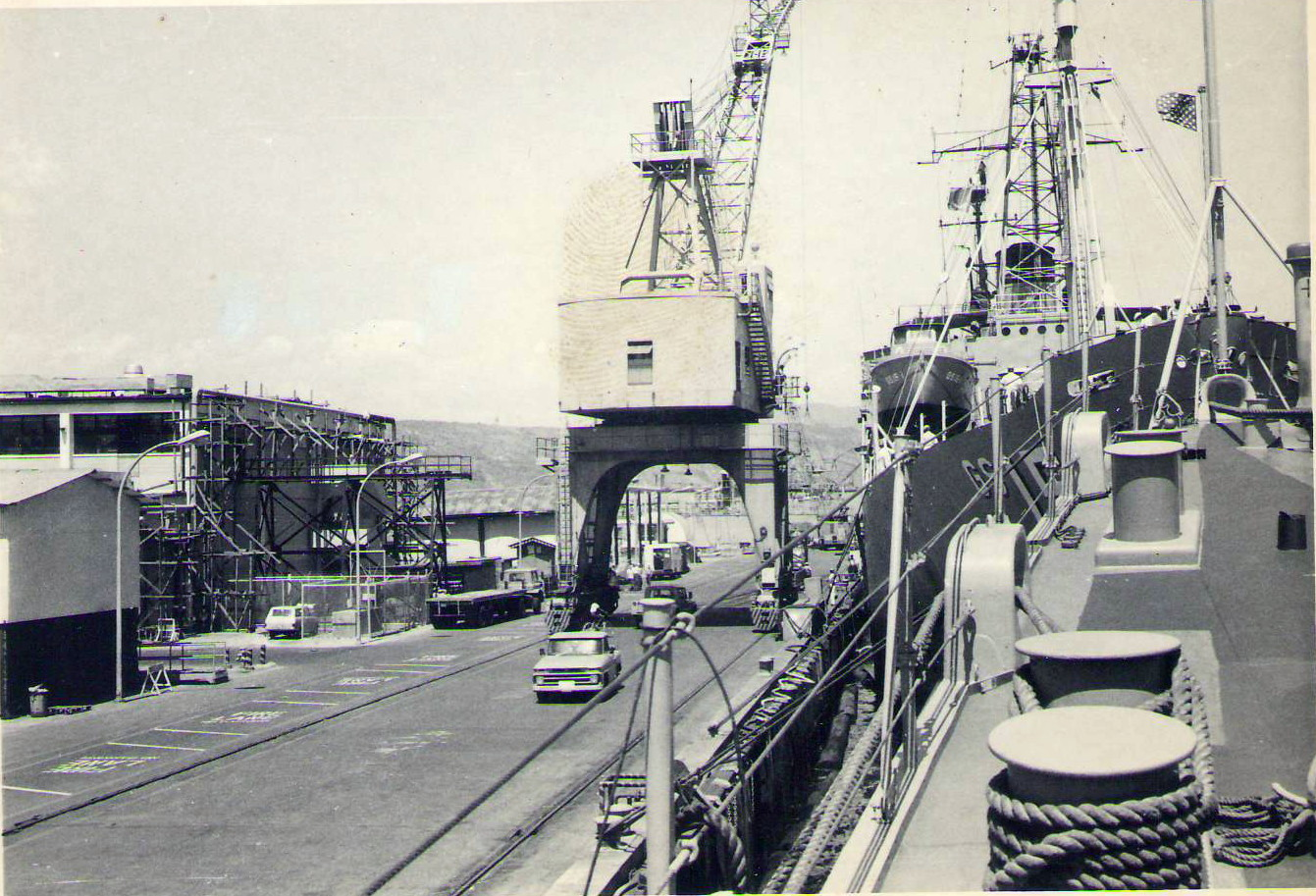 1969 HMAS Perth at Subic Docks