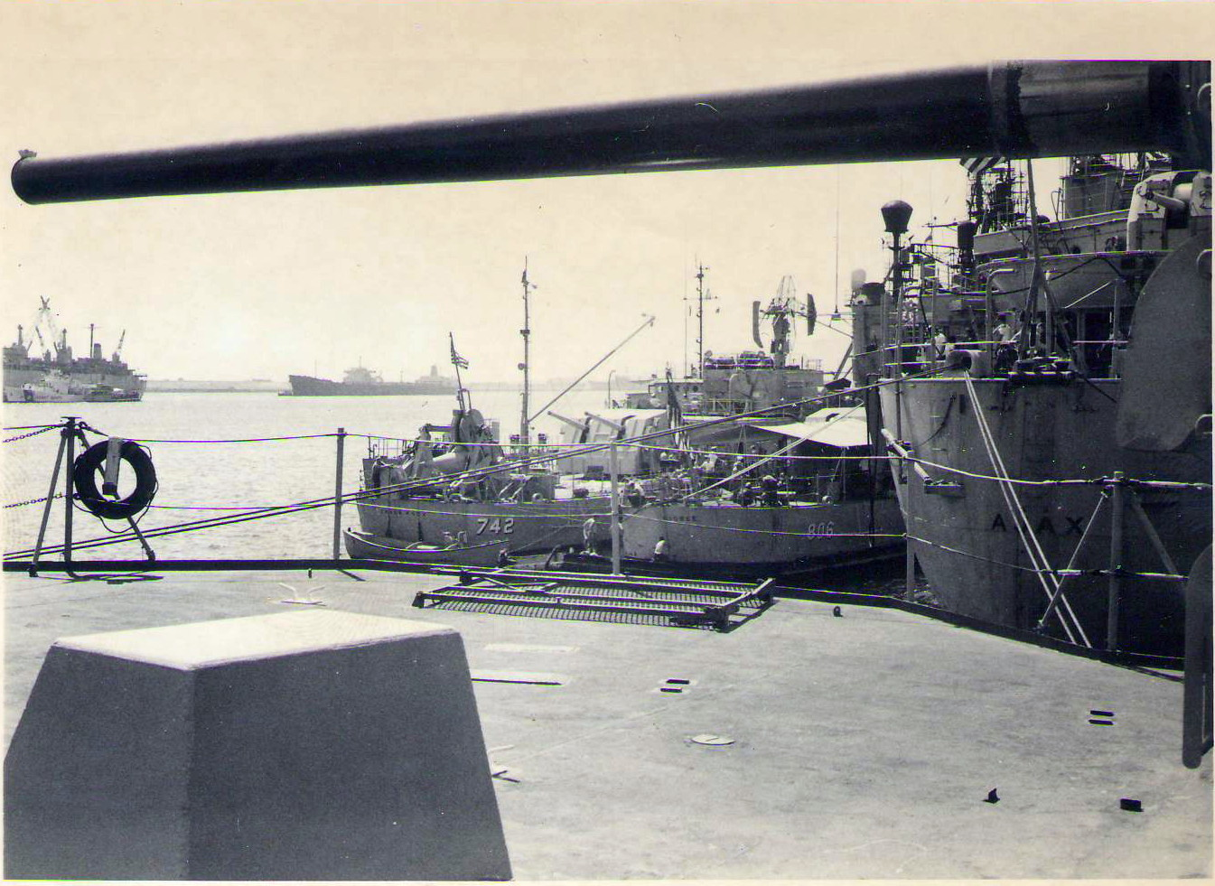 1969 HMAS Perth in Subic Bay
